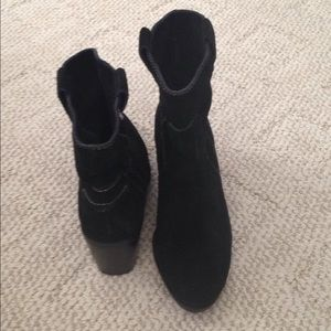 OW Vince Camuto black ankle boots
